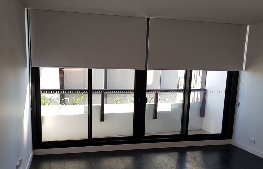 roller blinds brisbane bed 22