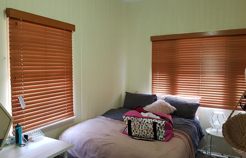 timber venetians bed1